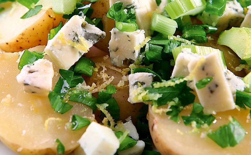 Jauno kartupeļu salāti ar zilo sieru recepte