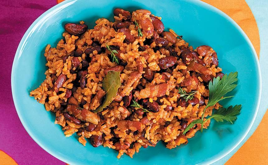 Pupiņas ar rīsiem un bekonu recepte