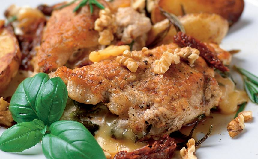 Pildīta karbonāde ar kartupeļiem un rozmarīnu