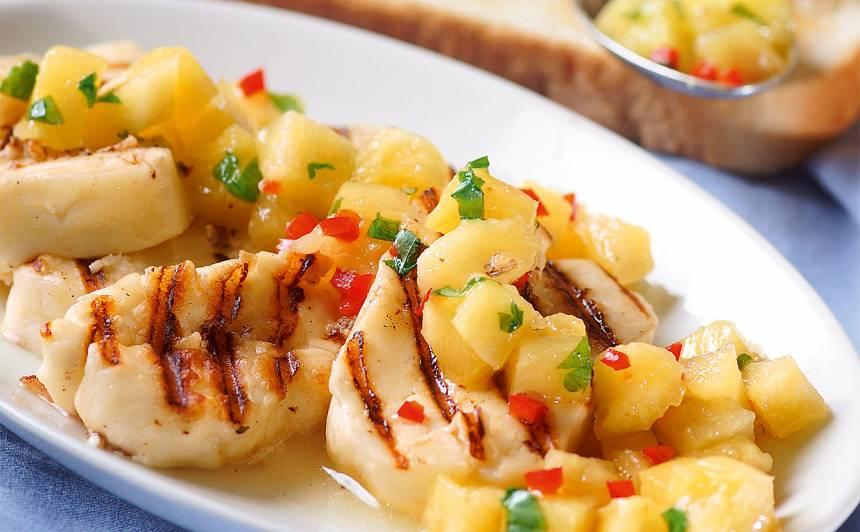 Ananasa salāti ar sieru recepte