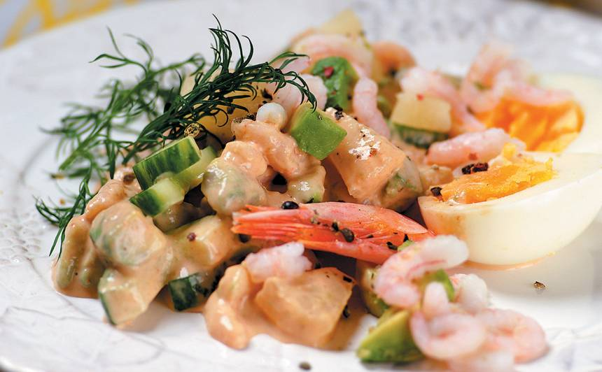 Garneļu salāti ar ananasu recepte