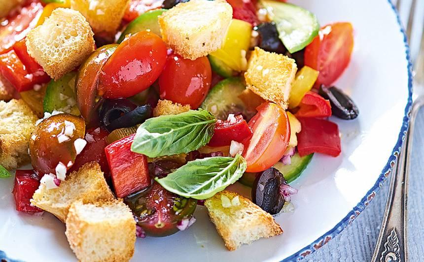 Tradicionāli itāļu salāti panzanella receptes