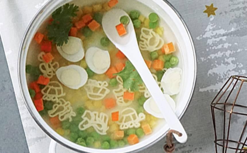 Makaronu zupa ar krāsainiem dārzeņiem recepte