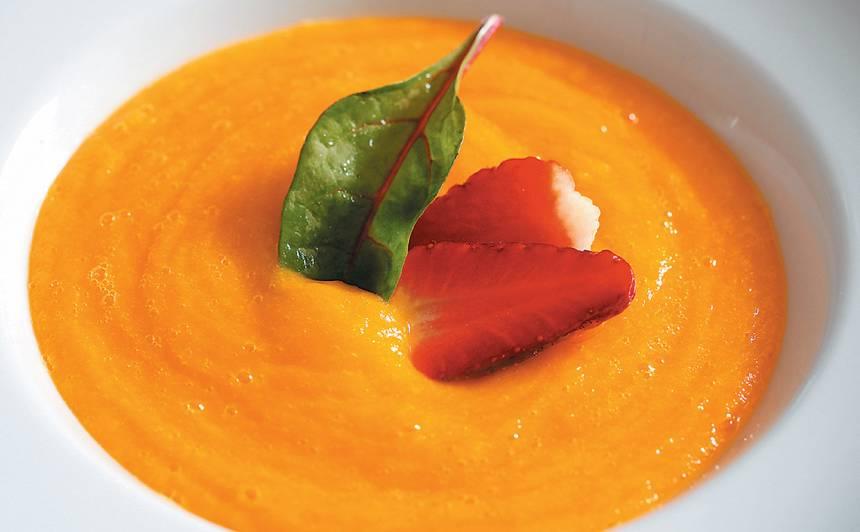Ķirbju un mango zupa
