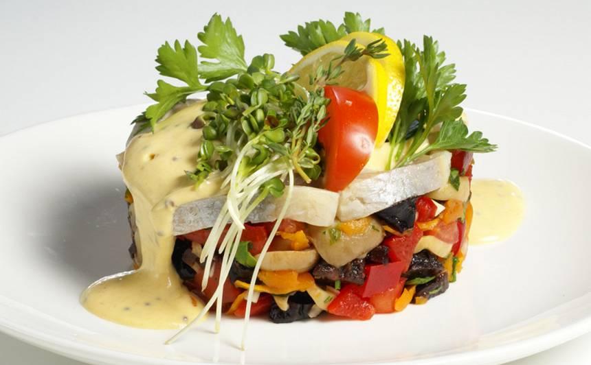 Siļķu salāti ar žāvētām plūmēm recepte