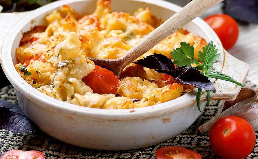 Makaronu sacepums ar gaļu un tomātiem recepte