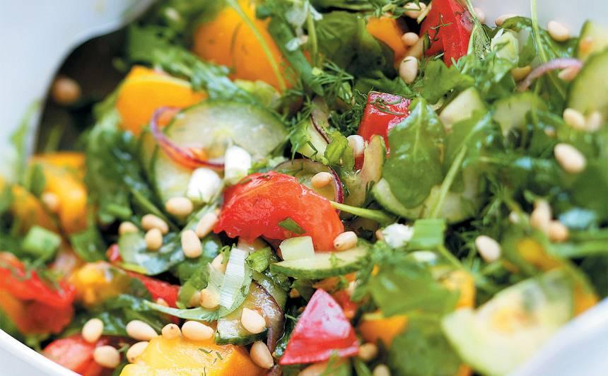 Zaļie krāsainie salāti recepte