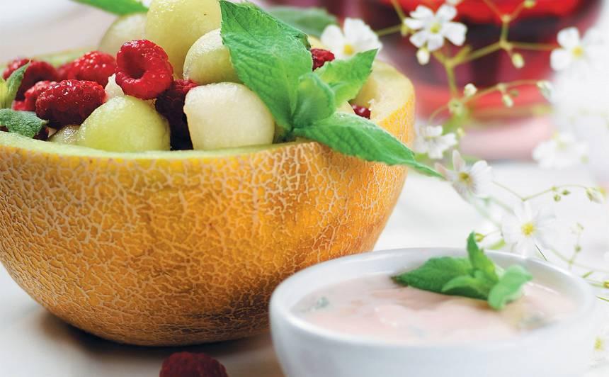 Augļu salāti ar lakto receptes