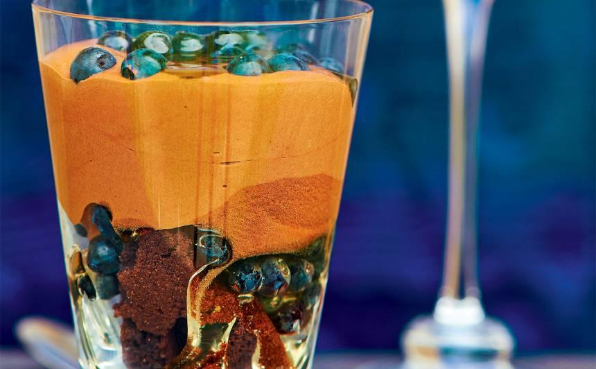 Melleņu un šokolādes kārtojums recepte