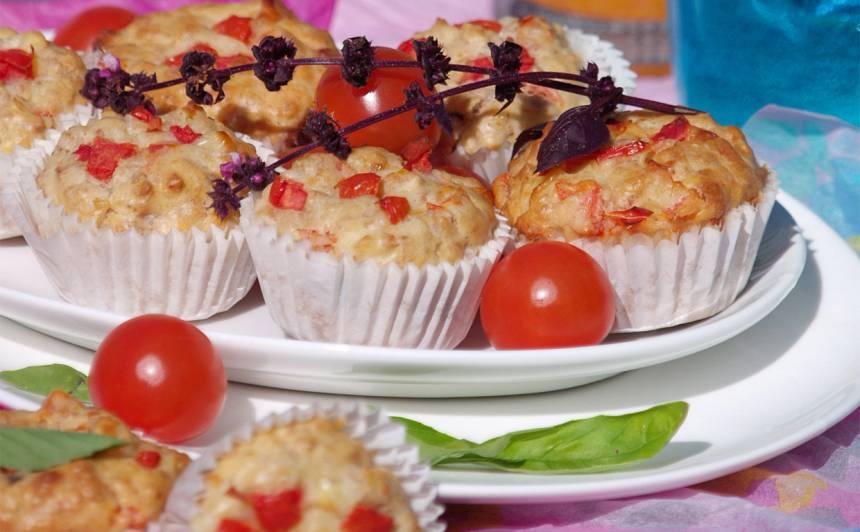 Tomātu kēksiņi ar paniņām recepte