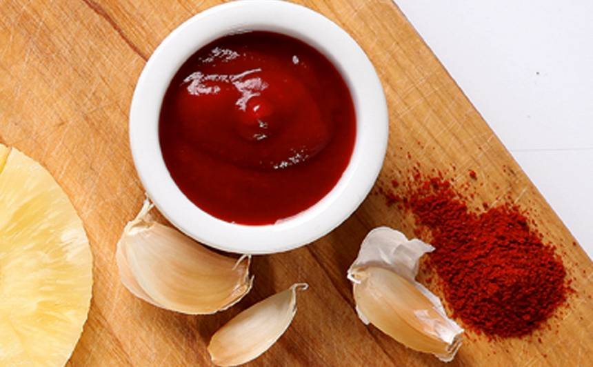 Marināde ar tomātu mērci cūkas ribiņām recepte