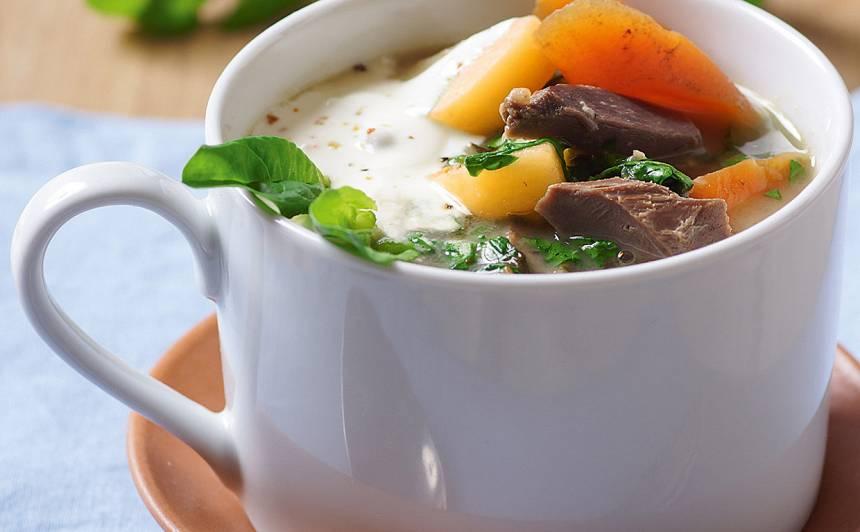 Spinātu zupa ar zosu guzām recepte
