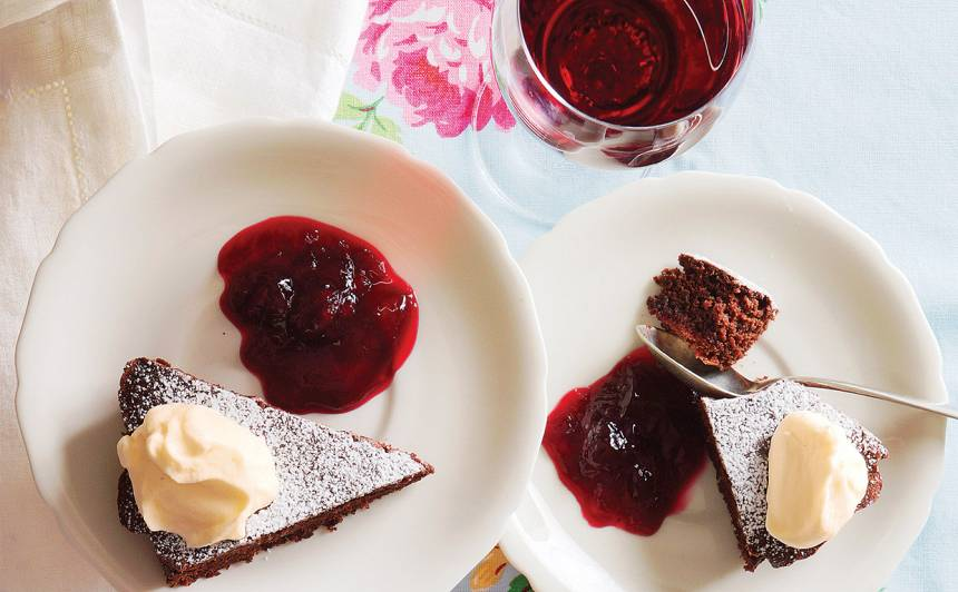 Sarkanvīna šokolādes kūka recepte
