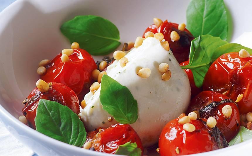 Ceptu tomātu salāti ar mocarellu recepte