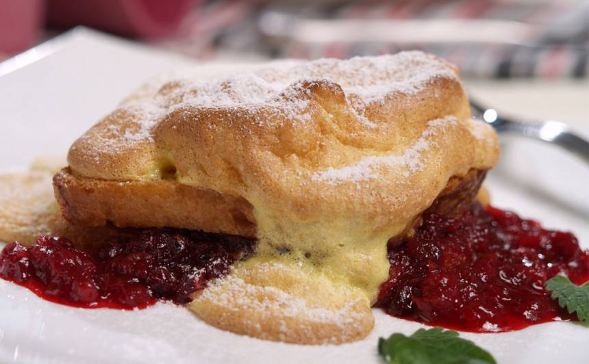 Grauzdiņa deserts ar brūklenēm recepte