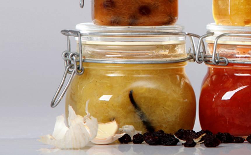 Rabarberu, ingvera un vaniļas ievārījums