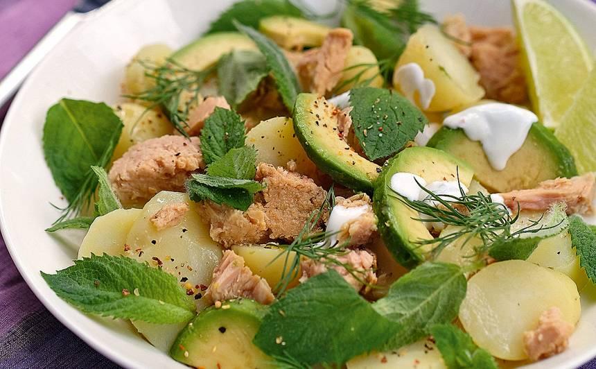 Kartupeļu salāti ar tunci un piparmētrām recepte