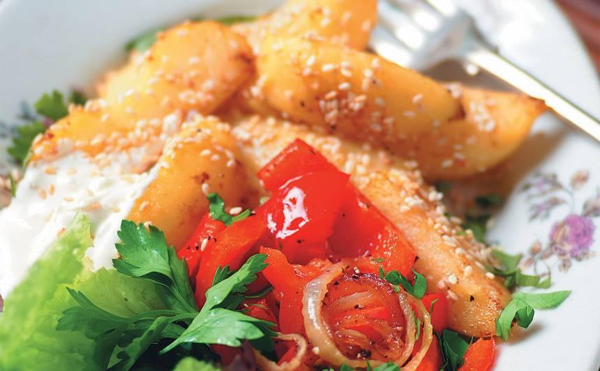 Kartupeļi ar sezamu un papriku
