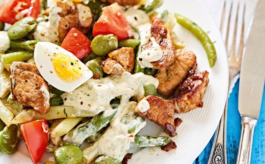 Pupiņu salāti ar gaļu un olu recepte