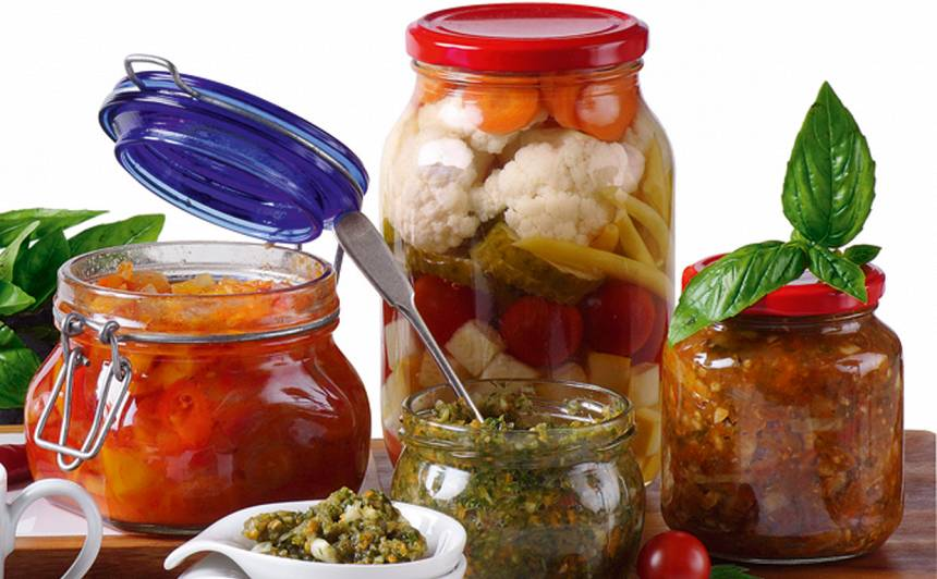Pikantie dārzeņu salāti recepte