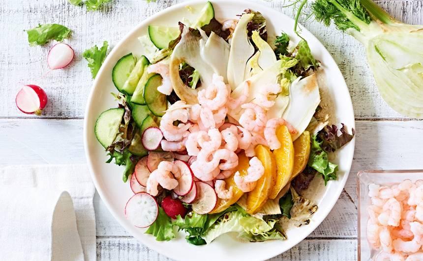 Fenheļa un garneļu salāti recepte