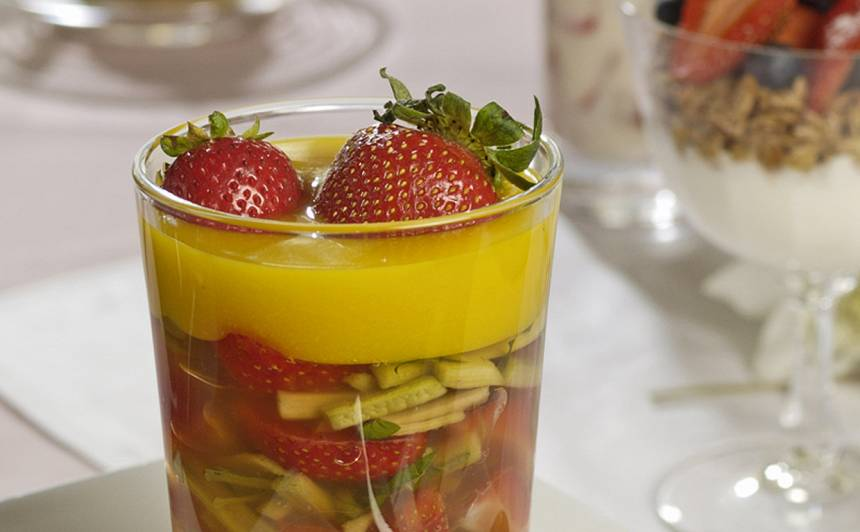 Rabarberu želeja apelsīnu mērcē recepte