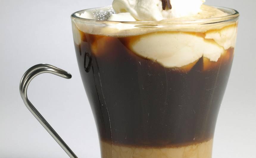 Kafija ar krējuma liķieri un balzamu recepte