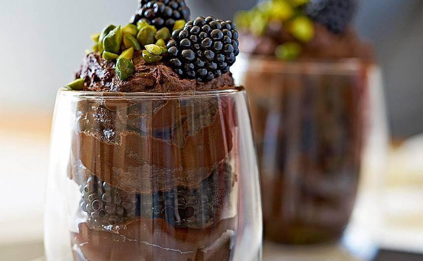 Šokolādes putojums ar kazenēm recepte