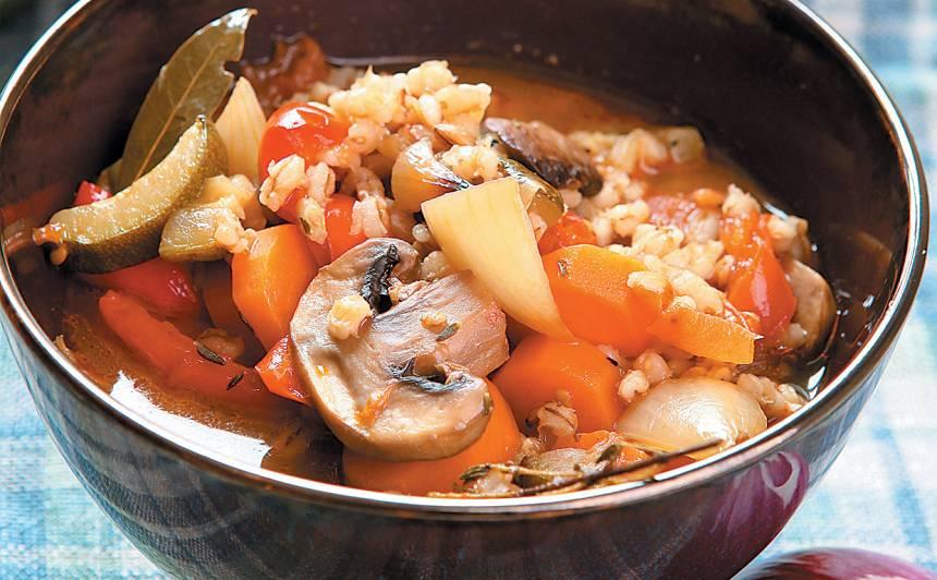 Krāsnī ceptu dārzeņu zupa ar grūbām recepte