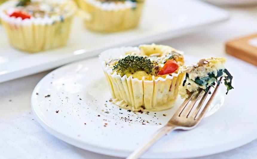 Dārzeņu un sēņu omlete <strong>mafinu veidnītēs</strong>