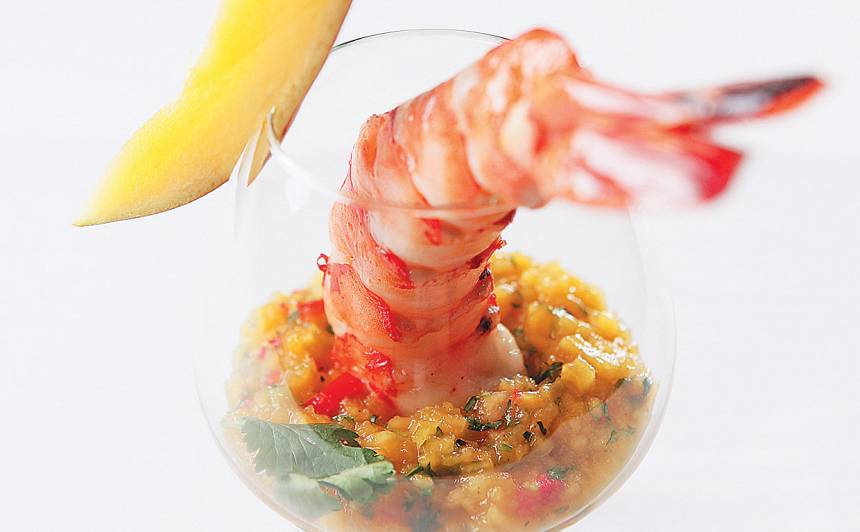 Tīģergarneles ar mango-čili salsu recepte