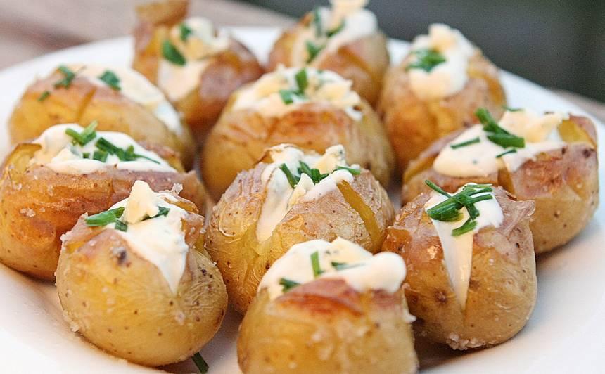 Kartupeļu uzkoda ar zilo sieru