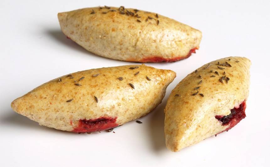 Kliju pīrādziņš ar bieti un gurķi recepte