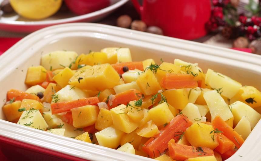 Kāļu sautējums ar kartupeļiem