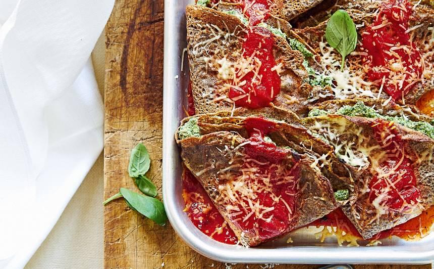 Griķu miltu pankūkas ar biezpienu un spinātiem