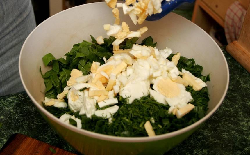 Spinātu, olu salāti recepte