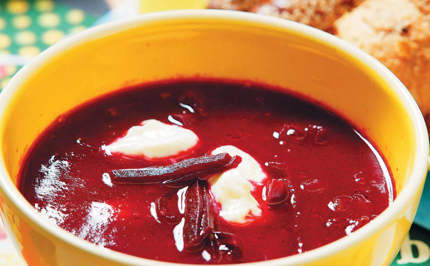 Biešu zupa ar sarkanvīnu recepte