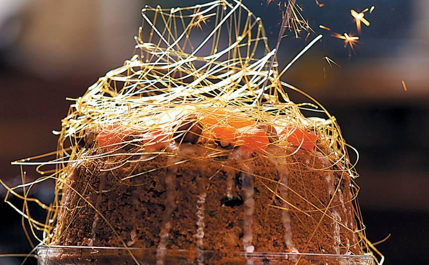 Augļu kūka ar eņģeļmatiņiem recepte
