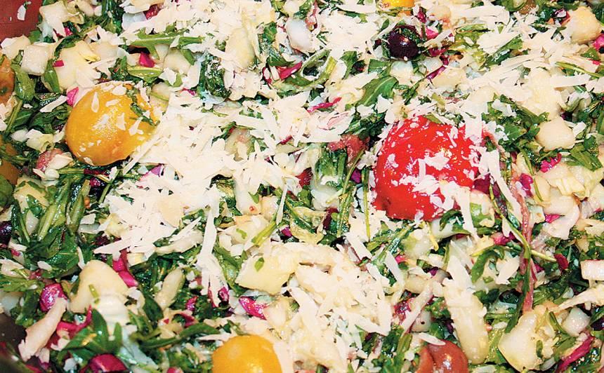 Rukolas salāti ar bumbieri un ķirštomātiņiem recepte