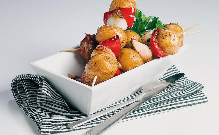 Kartupeļu iesmi tomātu mērcē recepte