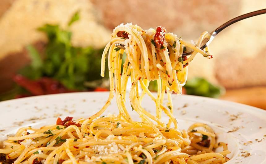Pasta Agio e Olio recepte