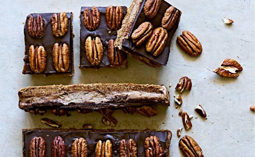 Karamelizēts šokolādes un kokosriekstu kārtojums