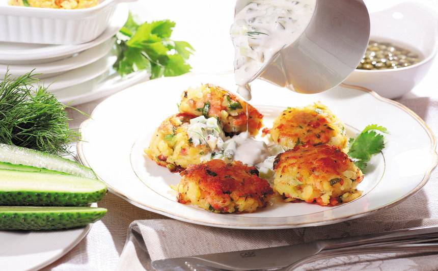 Kartupeļu un laša kotletes ar ideālo mērci