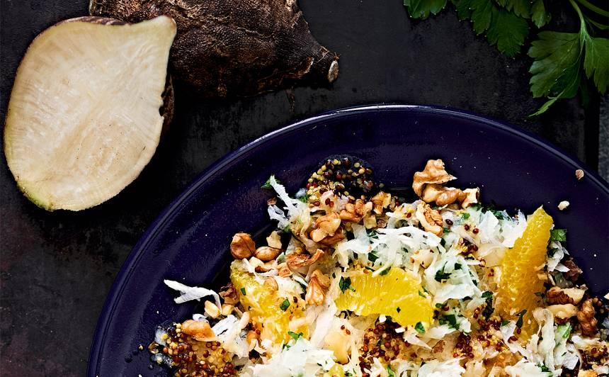 Melno rutku salāti ar apelsīnu un valriekstiem recepte
