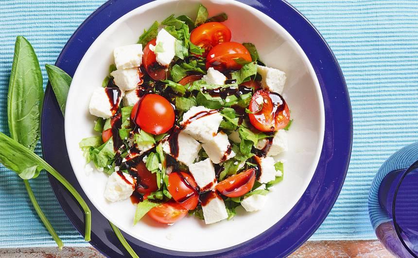 Skābeņu salāti recepte