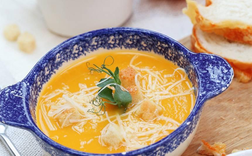 Ķirbju un saldā kartupeļa zupa recepte