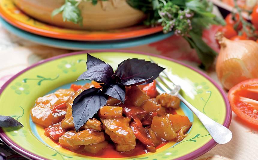 Cūkgaļas un  ananasu sautējums recepte