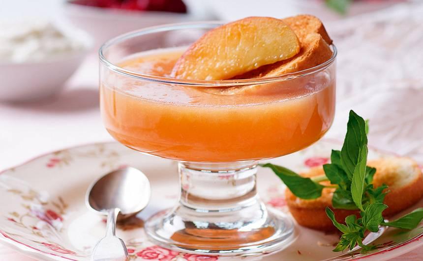 Siltā persiku zupa