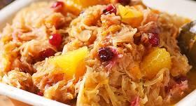 Sautēti kāposti ar apelsīniem, medu un dzērvenēm recepte