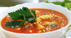 Tomātu zupa ar vistu un sarkanajām lēcām recepte